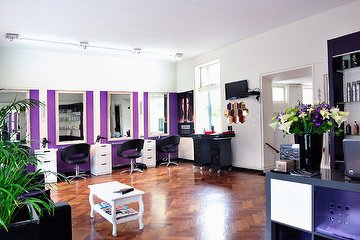 Arya Salon